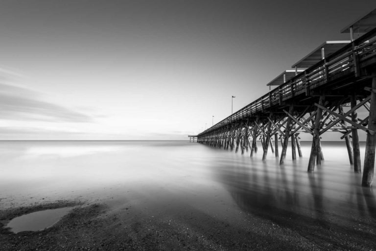 myrtle beach, 2nd avenue pier, black and white, bw, long exposure, minimalist, ivo kerssemakers, pier, south carolina, beach, ocean