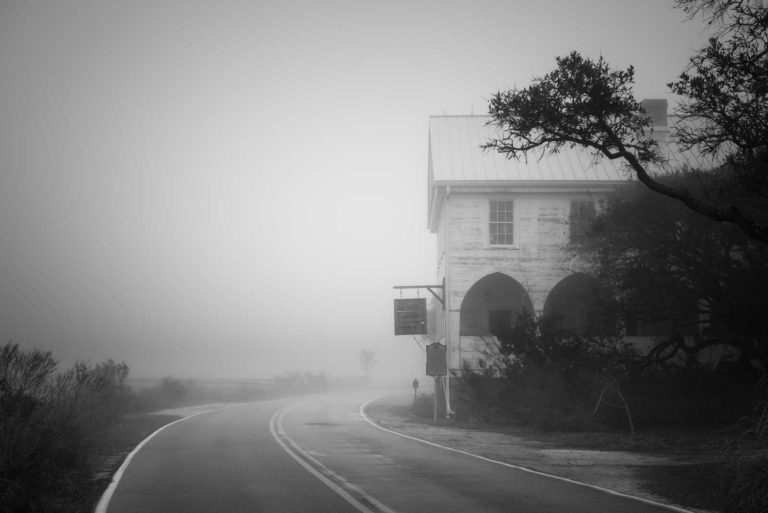 Pawleys Island, Pelican Inn, Historical building, South Carolina, Fog, Black White, BW, Ivo Kerssemakers